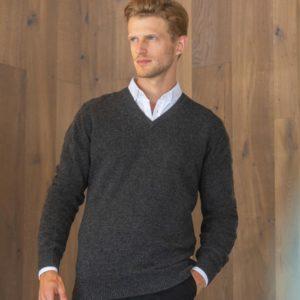 h730 lambswool v neck sweaterCressco